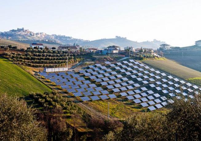 Sardegna in prima fila nella promozione delle tecnologie solari fotovoltaiche nel Mediterraneo