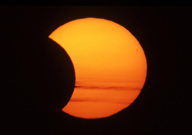 Eclissi di sole: secondo assoRinnovabili senza fv abbiamo pagato l'energia il 30% in più